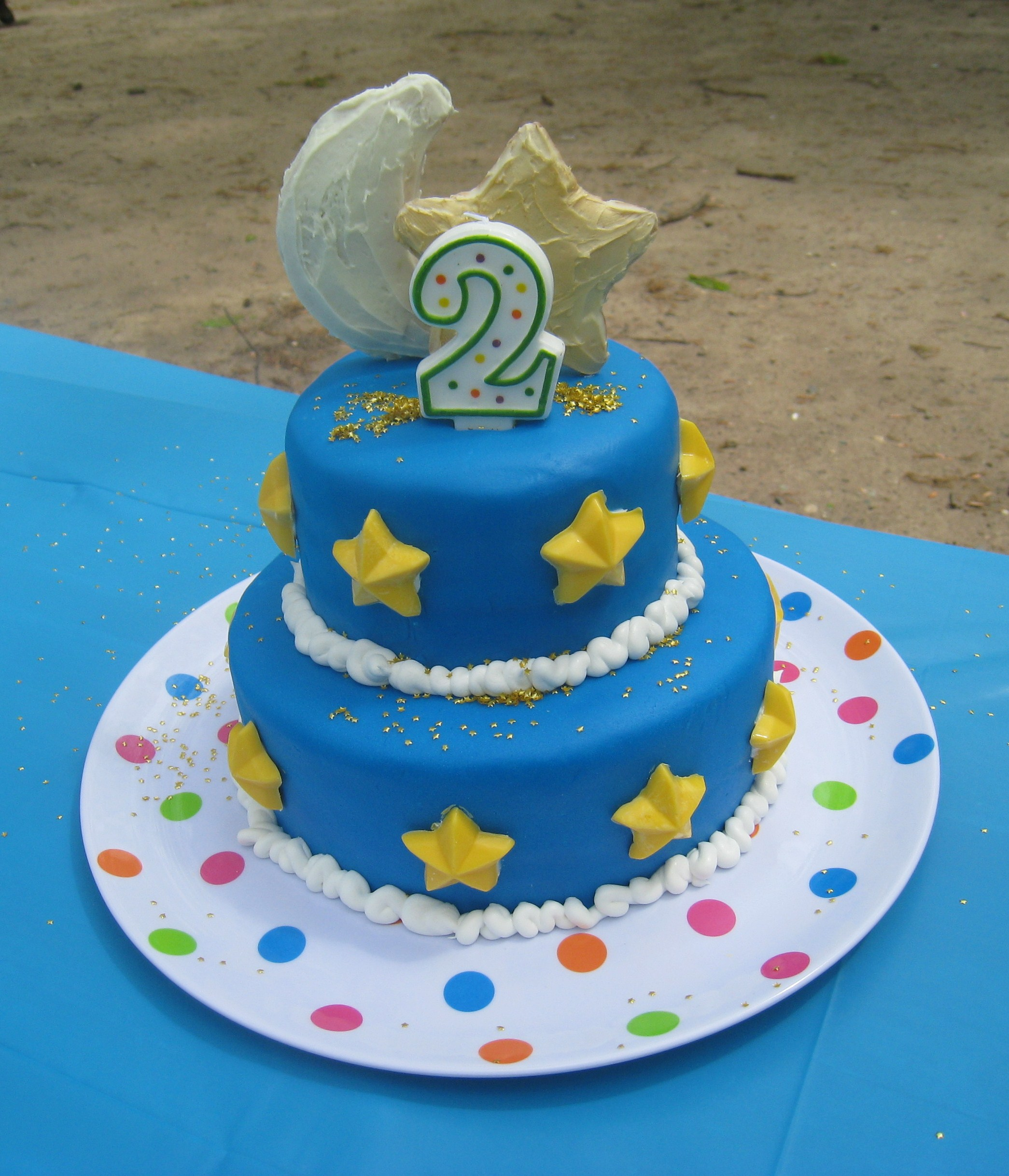 Cake Ideas For 2nd Birthday Girl : Moon and Stars 2nd Birthday Cake!   Thinker Mommy